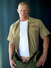 Huge Marine Dane's Uniformed Solo - Gay porn pics at GayStick.com