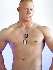 Huge Marine Dane's Uniformed Solo - Gay porn pics at Gaystick