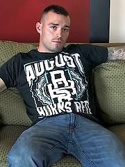 Wayne Sucks Masculine Vic