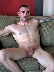 Wayne Sucks Masculine Vic - Gay porn pics at GayStick.com