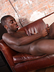 Sporty And Fit Drew Has Arrived - Gay porn pics at GayStick.com