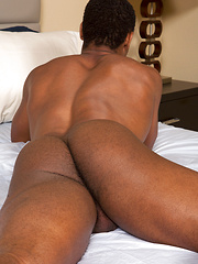 Black guy Clay shows amazing body - Gay porn pics at GayStick.com