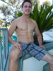 Beefy jock boy Sawyer - Gay porn pics at Gaystick
