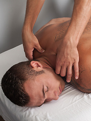 Muscle Hunk, Ryan Knightly fucks Skylar West with a toy - Gay porn pics at GayStick.com