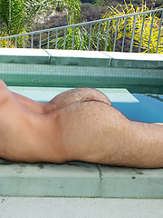 Cory showing his perfect sixpack - Gay porn pics at GayStick.com