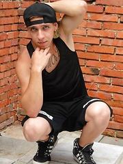 Young Skater Boy Jamie Brady - Gay porn pics at GayStick.com