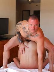 Max Cameron and Alex Mason - Gay porn pics at Gaystick