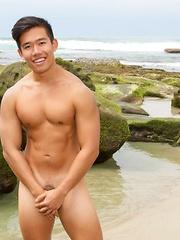 Benjamin - Gay porn pics at GayStick.com